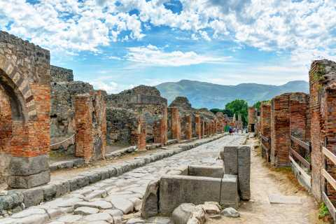 Pompeii, Positano & the Amalfi Coast: Small Group with Lunch