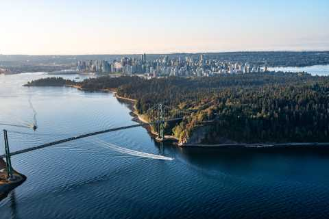 Vancouver: Private Sightseeing Tour with Capilano Bridge