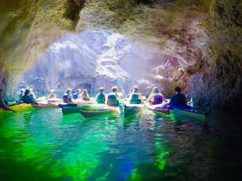 Von Las Vegas: Emerald Cave Kayaking Day Trip