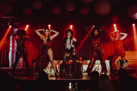 Amsterdam: Dinner Show with 5-Course Meal