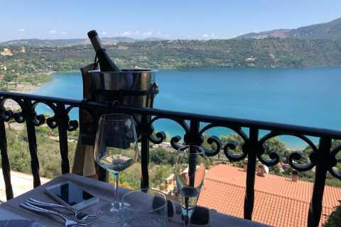 Roma: visita al viñedo en minibús con almuerzo junto al lago