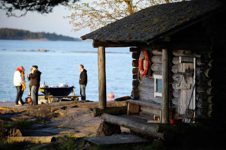 Helsinki: Archipel RIB Bootstour mit BBQ Lunch und Sauna