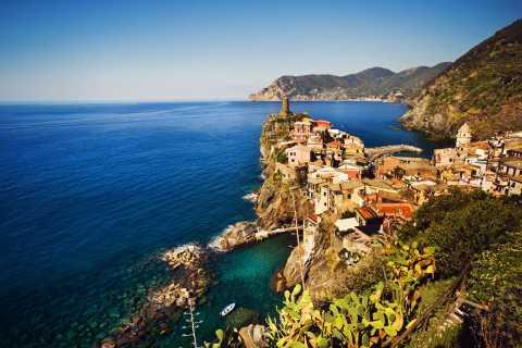 Cinque Terre: Ferry and Tour of Porto Venere and Vernazza