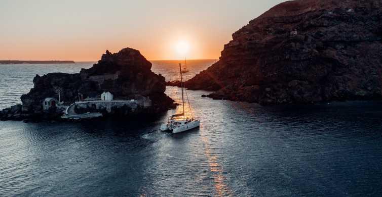 Santorini: Small Group Romantic Catamaran Cruise