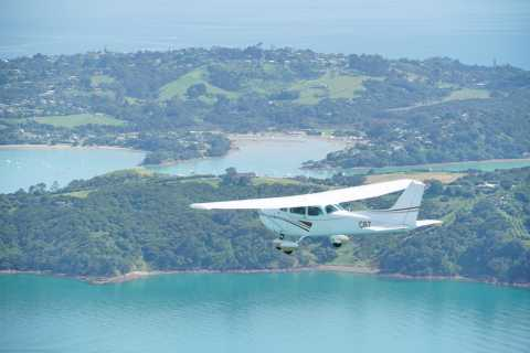 Auckland: Waiheke Island Wine and Food Tasting com voos