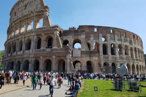 Rome: Small Group Colosseum Tour with Priority Access