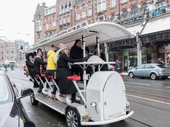 Amsterdam: 75-minütige Bierbike-Tour. Foto: GetYourGuide