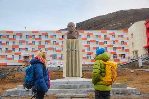 Longyearbyen: Hybridelectric Catamaran Cruise to Barentsburg