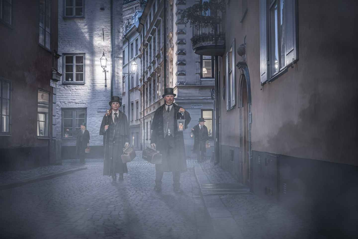Stockholm: 1.5-Hour Ghost Walk and Historical Tour