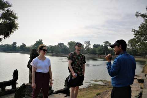 Angkor Wat: Tuk Tuk and Walking Tour