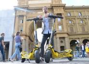 Florenz: Elektroroller-Tour mit Guide