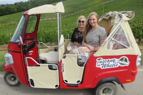 From Florence: Panoramic Vintage Tour in Chianti by Tuk Tuk