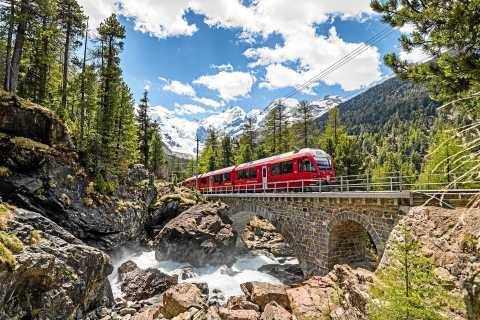 Von Tirano: Bernina Express Hin- und Rückflug & Audioguide