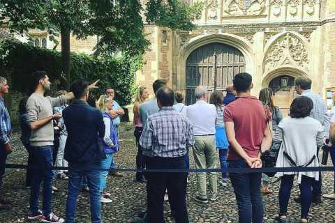 Cambridge: Private Walking Tour of the University