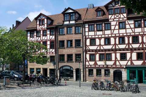 Nuremberg: tour guiado en bicicleta por el casco antiguo