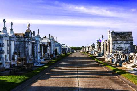 New Orleans: Cemeteries Guided Walking Tour