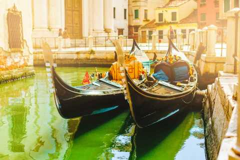 Venice: Gondola Ride with Live Commentary