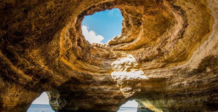 Portimão: 90 minutos de aventura em lancha nas cavernas do mar de Benagil
