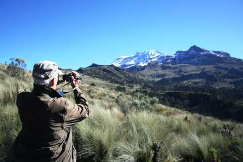 Mexico City: Guided Volcano Trek with Lunch