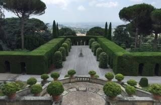 Rom: Päpstliche Villengärten im Kleinbus Castel Gandolfo