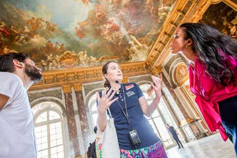 Versailles: Skip-the-Line Tour of Palace with Gardens Access