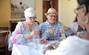 Charleston: Savor the Flavors Upper King Street Food Tour