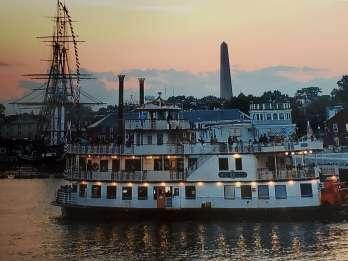 Boston: Sonnenuntergangskreuzfahrt