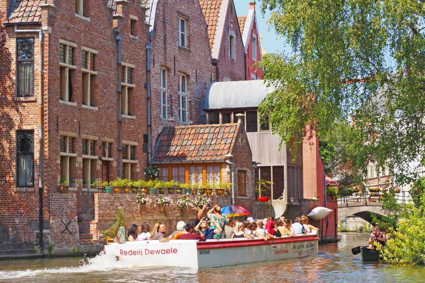 Ghent: Medieval Center Guided Boat Tour