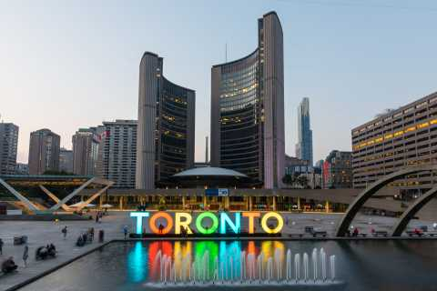 Toronto Walking Tour Pass: 3 Guided & 7 Self Guided Routes