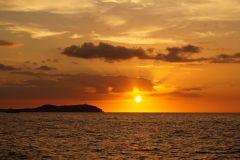 Ibiza: Passeio de Barco ao Pôr do Sol com Tudo Incluído