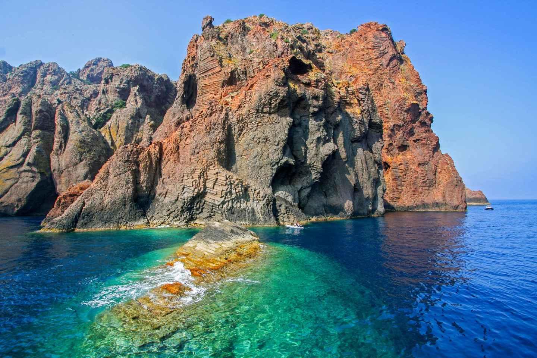Ab Sagone oder Cargèse: Bootstour durch das Scandola-Reservat