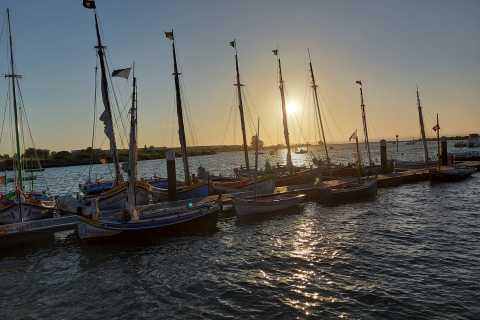 Lisboa: Passeio à Vela ao Pôr do Sol de 2 horas no Rio Tejo