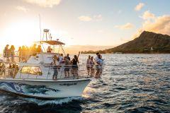 Oahu: Waikiki Sunset Cruise com Live DJ + 21 anos