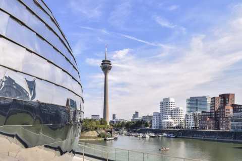 Düsseldorf: Scavenger Hunt Through the City