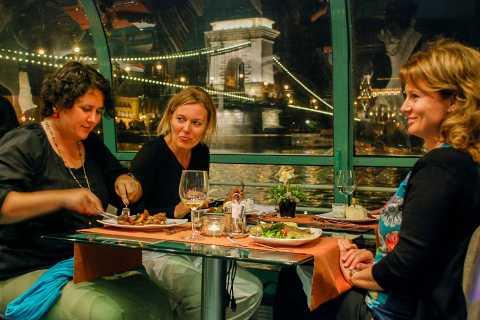 Budapeste: cruzeiro com jantar à luz de velas no rio com música ao vivo