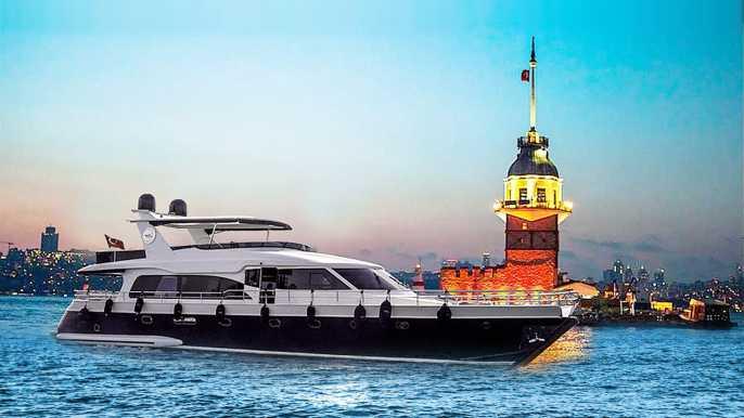 Bósforo: crucero al atardecer en un yate de lujo
