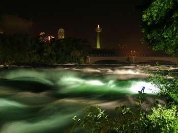 Niagarafälle, USA: Nachtbeleuchtungstour