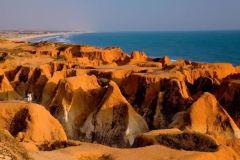 De Fortaleza: Morro Branco, Praia das Fontes e Praia do Uruaú