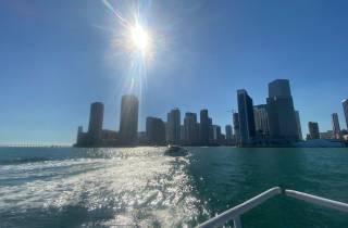 Skyline von Miami: Happy Hour Sightseeing-Bootsfahrt bei Sonnenuntergang