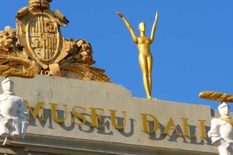 Figueres: recorrido a pie por la ciudad y museo Dalí