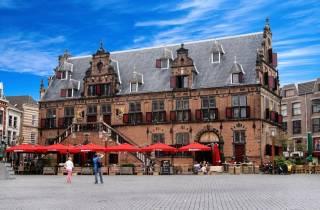 Nijmegen & Kröller-Müller Museum + Tagestour zu den Attraktionen