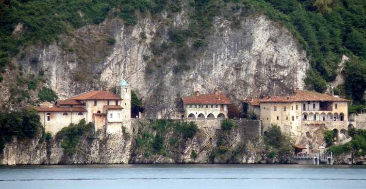 Stresa: Private Cruise to Santa Caterina del Sasso