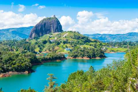 From Medellín: Guatape & El Peñol Rock Trip with Boat Tour