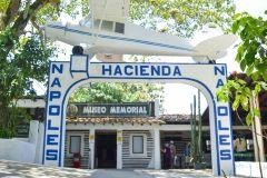 De Medellín: Excursão Parque Temático Hacienda Nápoles