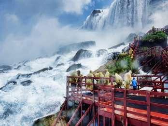 Niagara Falls: Cave of the Winds Express Pass und Tour