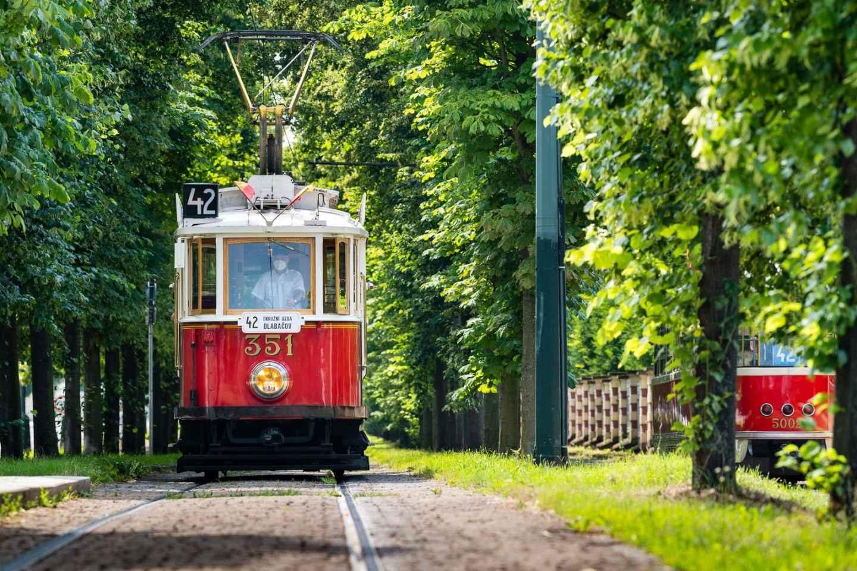 Prag: Hop-on-Hop-off-Ticket für die historische Straßenbahn der Linie 42