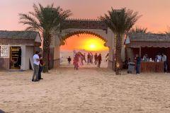 Safari no deserto com jantar de churrasco, dança do ventre e dança Tannura