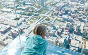 Chicago: Willis Tower Skydeck and The Ledge Ticket
