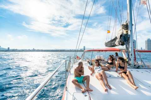 Barcelona: 2-Hour Small-Group Catamaran Cruise with Drink