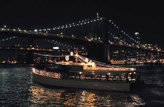 Manhattan Holiday Yacht Cruise Jazz, Cocoa, Carols